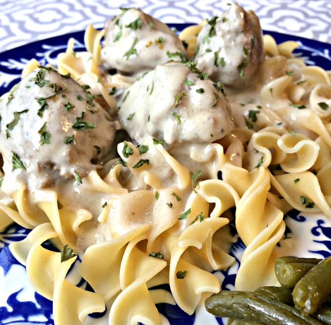 Turkey Meatballs and Creamy Gravy via ComeHomeForComfort.com