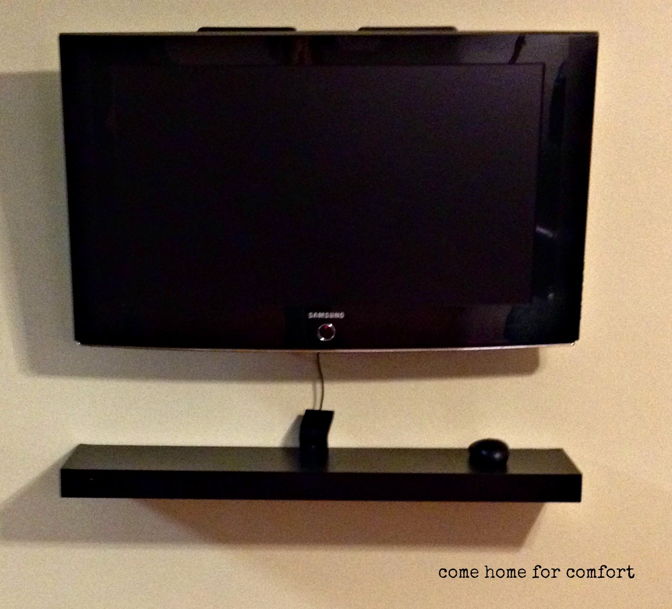 diy mounted flat screen with hidden cords come home for comfort. Black Bedroom Furniture Sets. Home Design Ideas