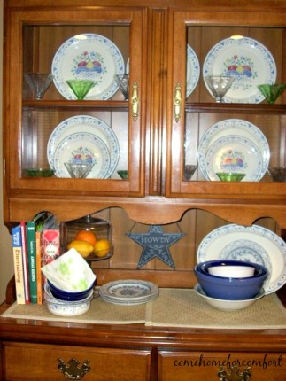 Hutch Decorated in Apartment