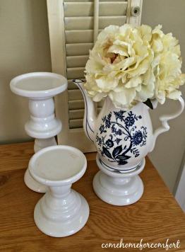 Summer Decor Blue And White Teapot