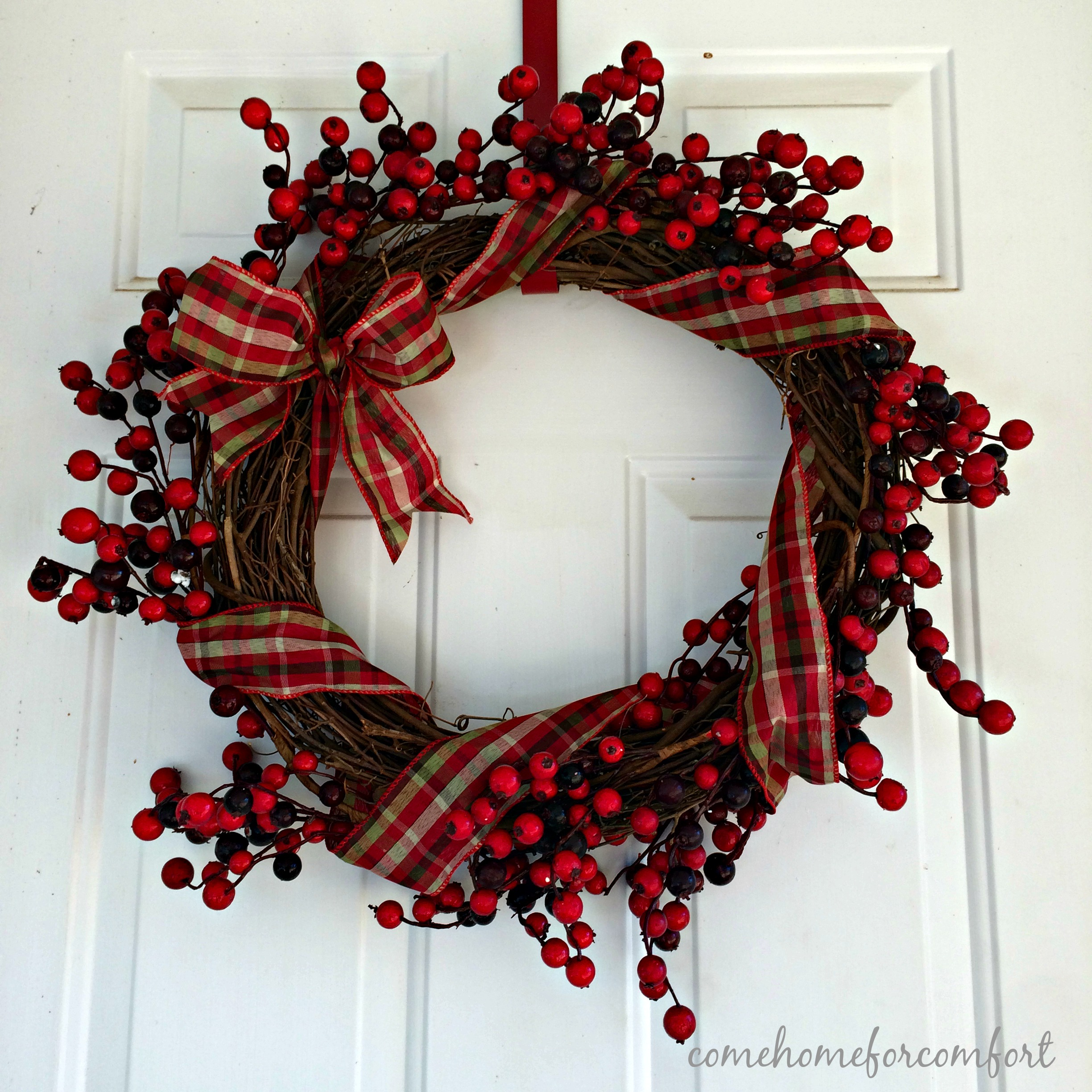 simple christmas wreath come home for comfort - Simple Christmas Wreaths