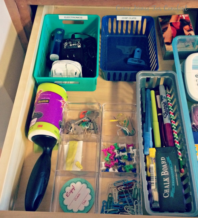 Junk Drawer Organization via ComeHomeForComfort.com