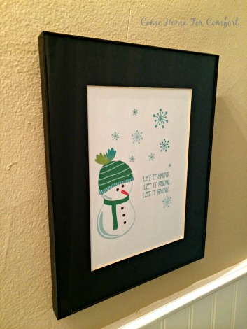 Winter decor for the bathroom via ComeHomeForComfort.com 3