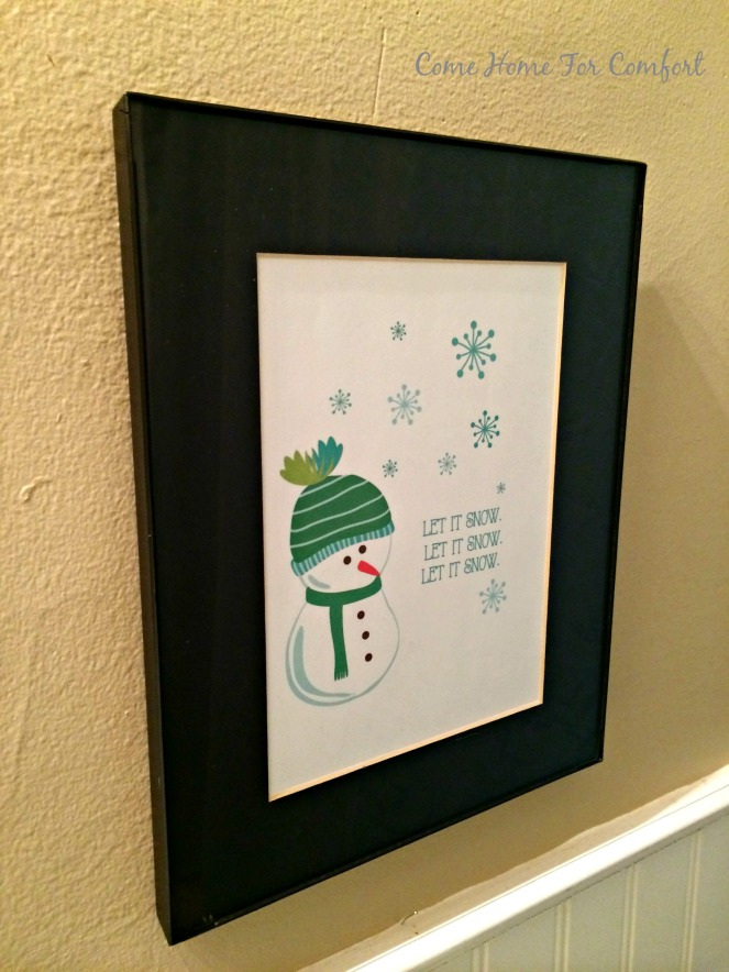 Winter decor for the bathroom via ComeHomeForComfort.com 3