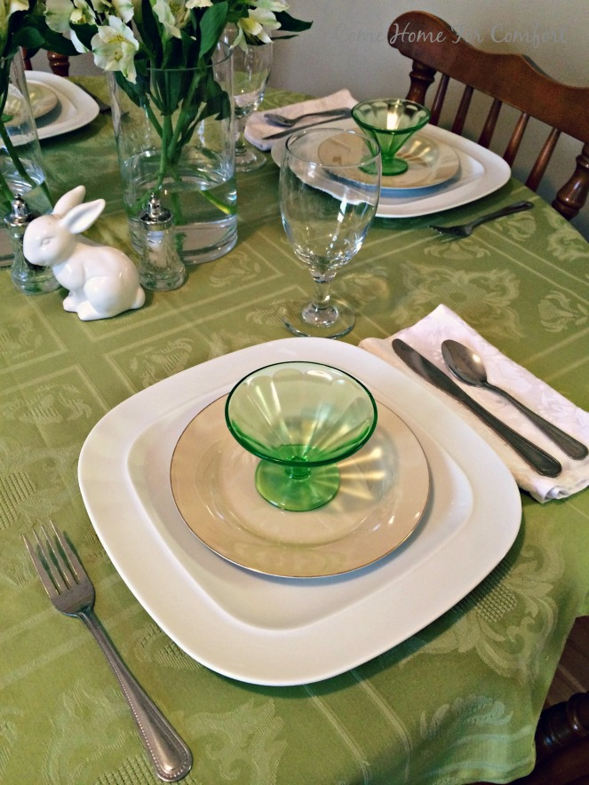 Setting the Table For Spring using every day dishes via ComeHomeForComfort.com