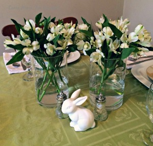 Setting the Table For Spring with a simple centerpiece via ComeHomeForComfort.com