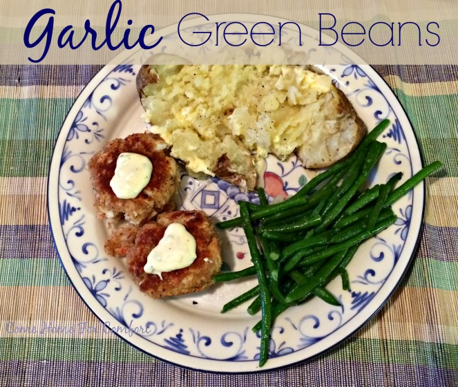 Garlic Green Beans via ComeHomeForComfort.com