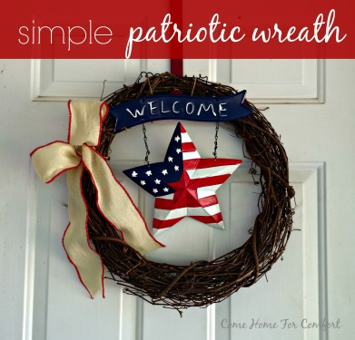 Simple wreath for July 4th or Memorial Day via ComeHomeForComfort.com