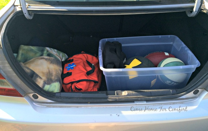 Organizing Your Trunk via ComeHomeForComfort.com 3