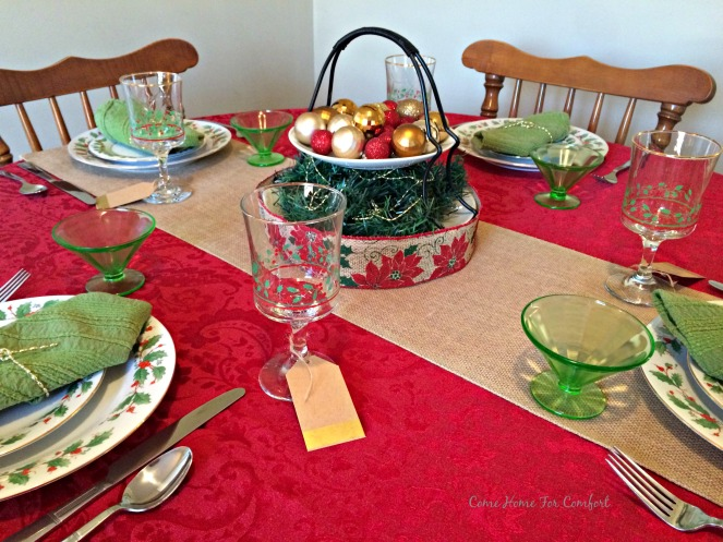 Red and Green Christmas Table 8