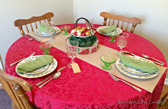 Red and Green Christmas Table 9