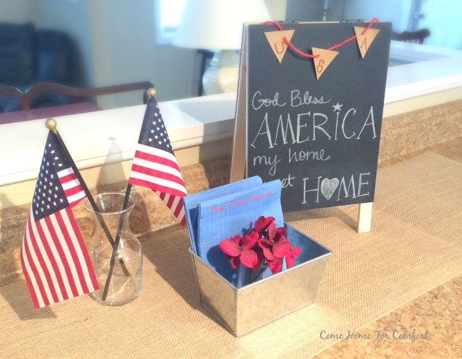 My Home Sweet Home Patriotic Decor via ComeHomeForComfort.com