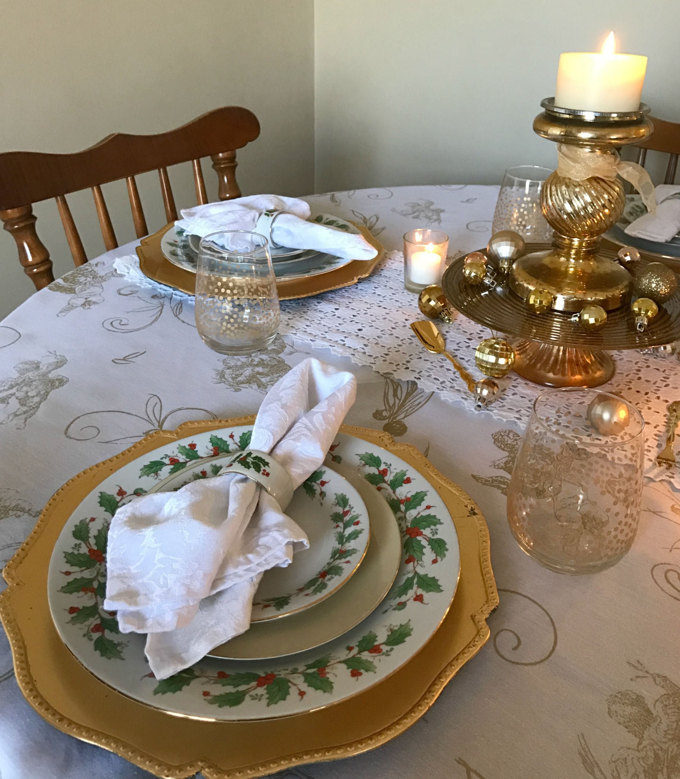 romantic gold and white holiday table setting come home for comfort. Black Bedroom Furniture Sets. Home Design Ideas