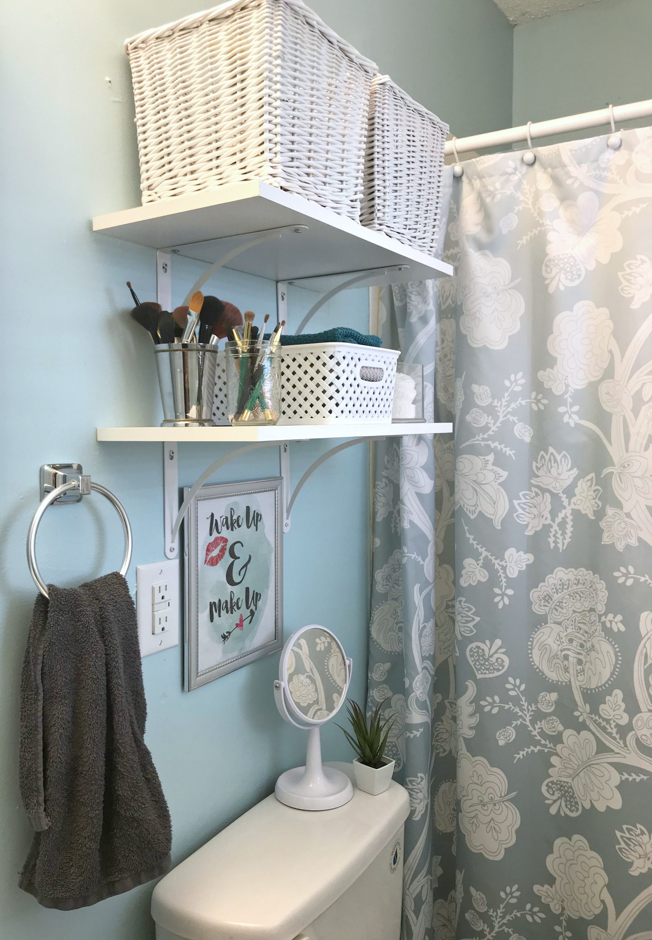 Organizing My Small Bathroom – Come Home For Comfort
